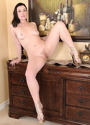 Erotic Moms Porn Pictures