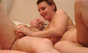 Moms Handjob Porn Pictures