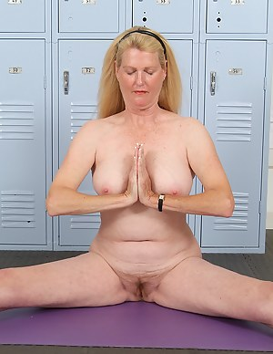 Yoga Moms Porn Pictures